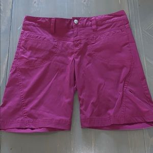Athleta size 4 Dipper in hiking shorts